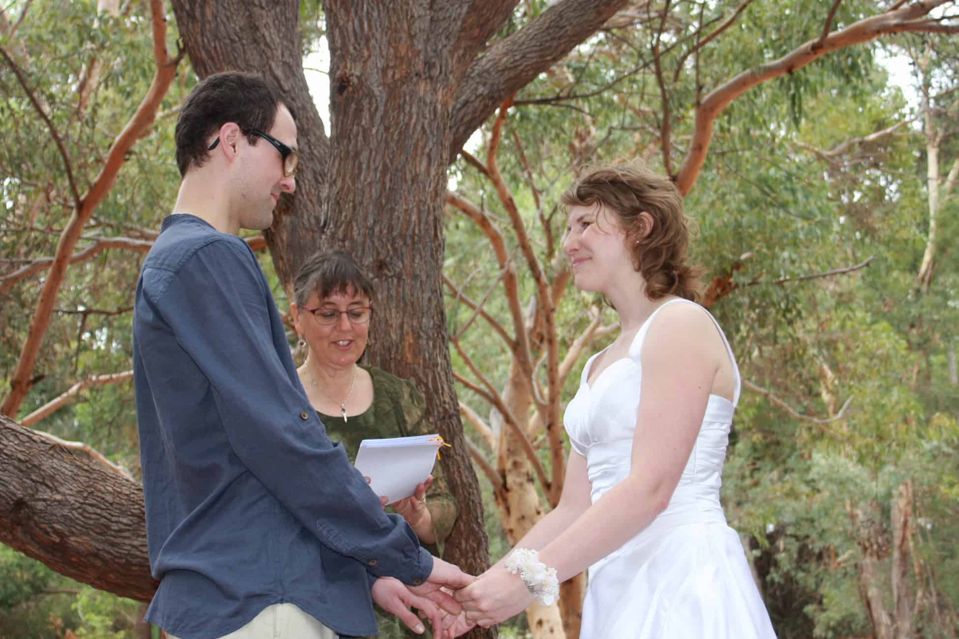 Marriage celebrant Ishara celebrates an outdoor wedding in the Perth hills, Western Australia